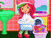 Strawberry Shortcake Washing Clothes Game