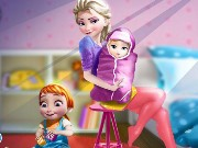 Elsa And The Newborn Baby Game