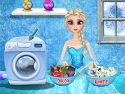 Elsa Washing Clothes Game