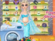 Pregnant Elsa Washing Clothes Game