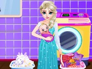 Elsa Washing Clothes For Newborn Game